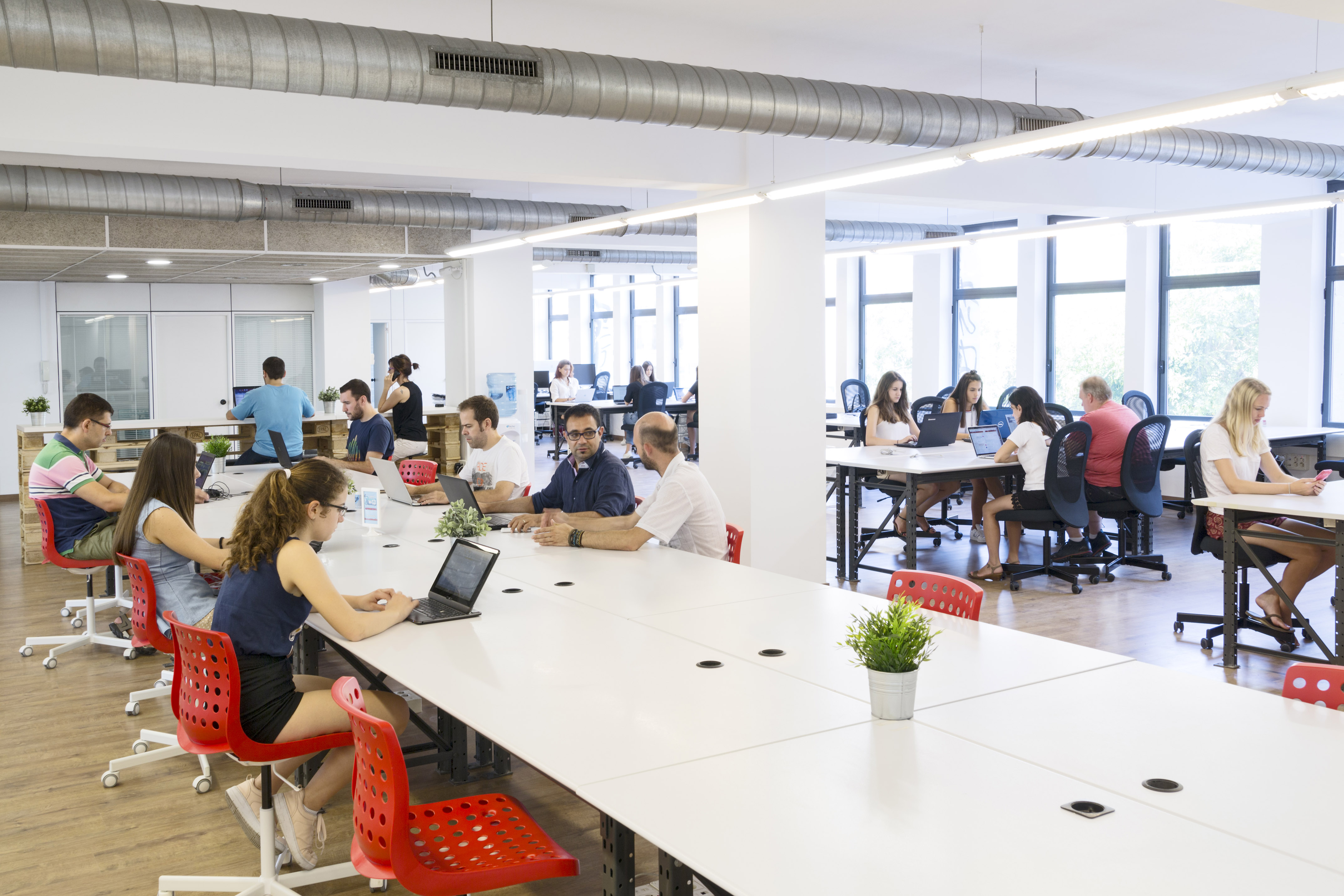 Mesas de coworking en Barcelona
